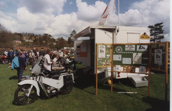 6-jbs-homemade-wvam-stand-at-lions-easter-show-1993-iam-caravan-peter-walker-velocette-le